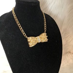 Jewelry - Gold plated bow tie necklace